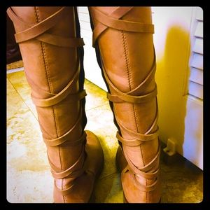 Women's lace back leather boots